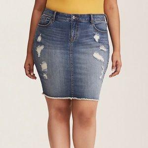 Torrid Denim Jean light blue skirt size 14